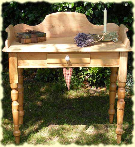Lovely Pine Washstand